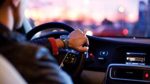 Jak zwiększyć wartość swojego samochodu, aby móc zarobić na sprzedaży